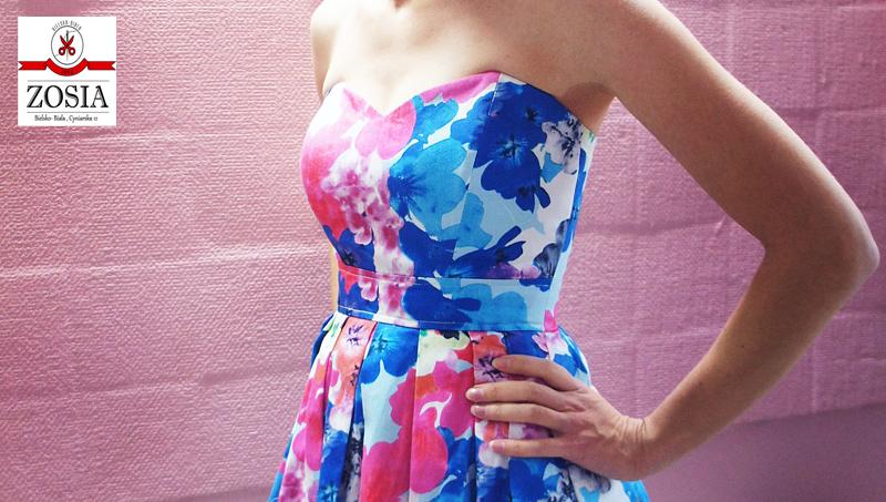 Po poprawce, sukienka prezentuje się wspaniale oraz nie straciła na fasonie.