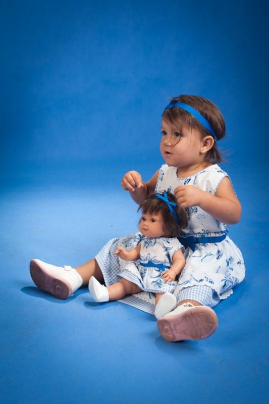 Dziewczynka i lala (3)